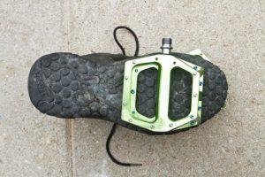pedali flat mtb scarpe
